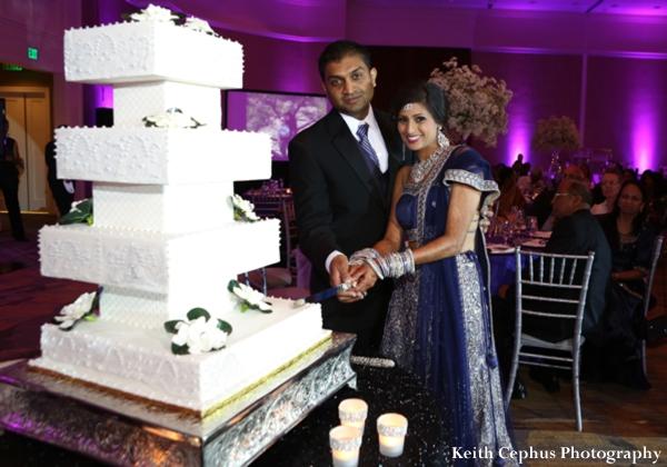Indian-wedding-reception-bride-groom-cake