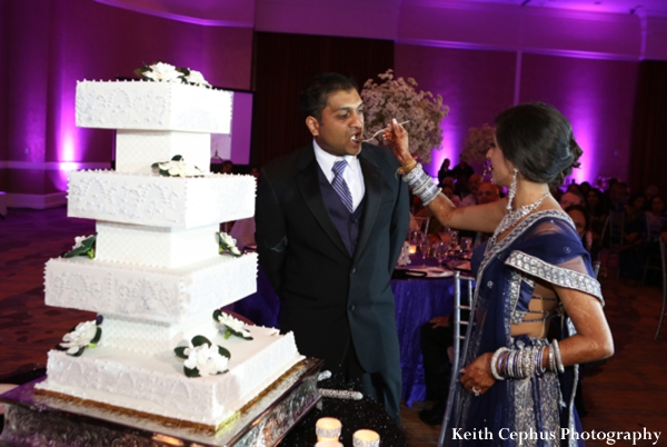 Indian-wedding-reception-cake-groom-bride