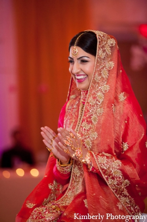 red,gold,bridal fashions,Photography,indian bride and groom,indian bride groom,photos of brides and grooms,images of brides and grooms,indian bride grooms,Kimberly Photography