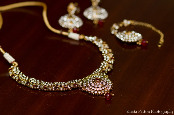 Indian wedding jewelry bridal traditional gold