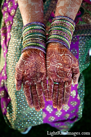 purple,mehndi artists,indian weddings,indian bridal mehndi,indian wedding wear,indian wedding outfits,indian wedding clothes,indian bridal clothing,lightrain images