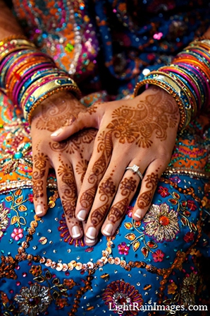 indian bridal fashions,mehndi artists,indian weddings,indian bridal mehndi,indian wedding wear,indian wedding outfits,indian wedding clothes,indian bridal clothing,lightrain images