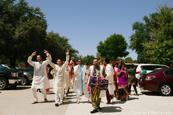 Indian-wedding-baraat-party-entrance