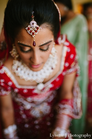 Indian-wedding-getting-ready-lengha-tikka