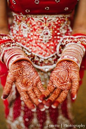 Indian-wedding-getting-ready-mehndi