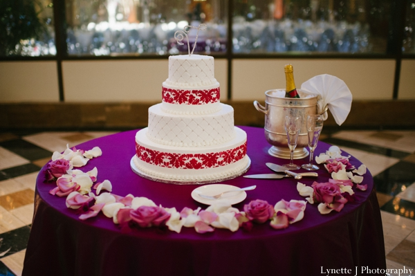 Indian-wedding-reception-white-cake