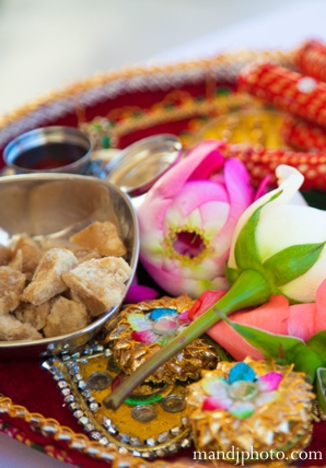Indian wedding ceremony items traditions