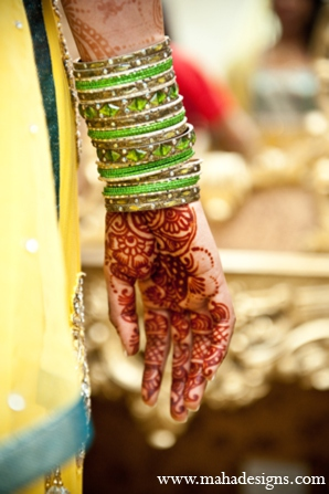 gold indian wedding jewelry,indian weddings,indian wedding ideas,indian wedding photo,indian wedding blog