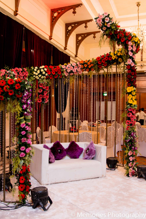 Indian Wedding Reception Floral Ideas Photo 7030