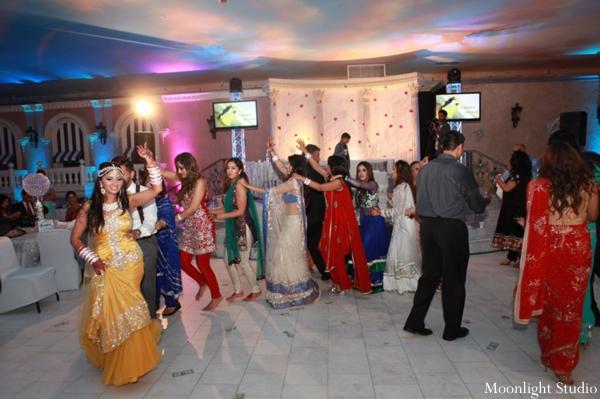 Indian-wedding-dance-entertainment