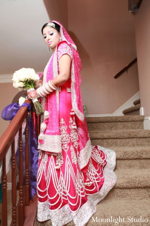Indian-wedding-bridal-portrait-lengha-boquet