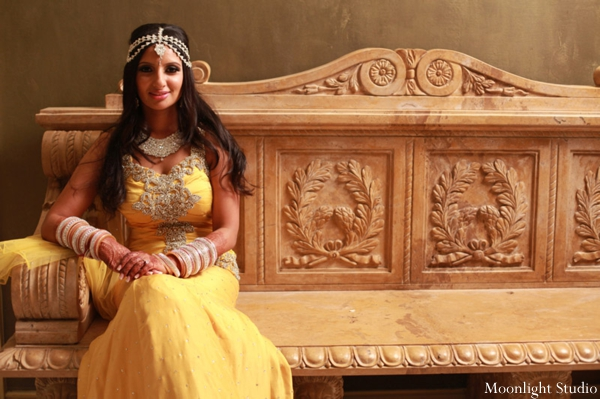 indian-wedding-bridal-reception-portrait-yellow-dress