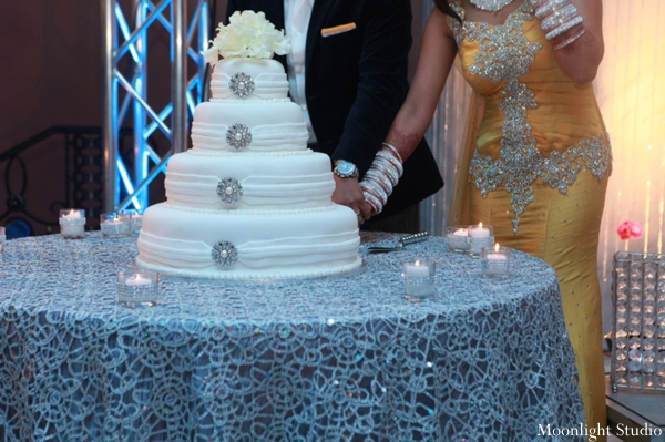 Indian-wedding-bride-groom-cake-cutting-reception