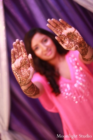 Indian-wedding-mehndi-hands