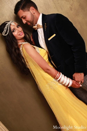 Indian-wedding-reception-portrait-yellow-dress