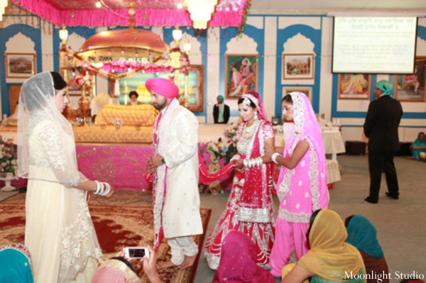 Indian-wedding-sikh-ceremony-bride-groom-colorful