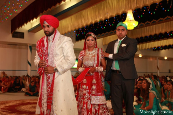 Indian-wedding-sikh-ceremony-bride-groom-tradtional
