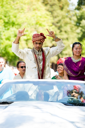 Indian-wedding-baraat-entrance-celebration-tradtional