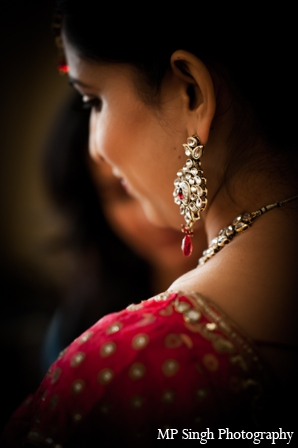 Indian-wedding-bridal-portrait-earrings