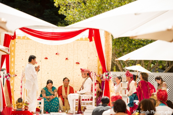 Indian-wedding-mandap-ceremony-outdoors-tradtional