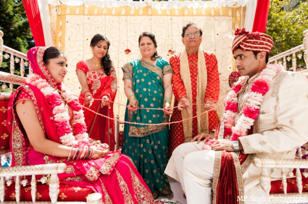 Indian-wedding-tradtional-ceremony-bride-groom-mandap