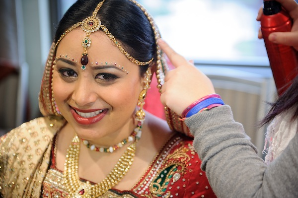 Indian wedding bridal look in Itasca, Illinois Indian Wedding by Nakai Photography