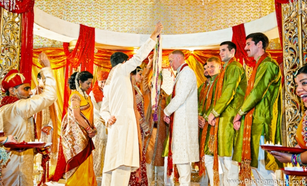 Indian-wedding-bride-groom-fusion-first-look-at-mandap