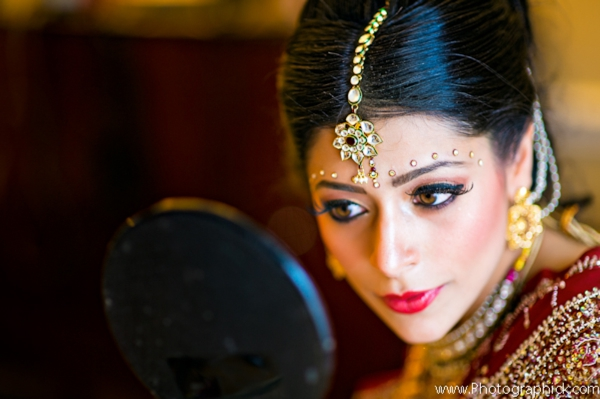 Indian-wedding-bride-portrait-makeup-tikka