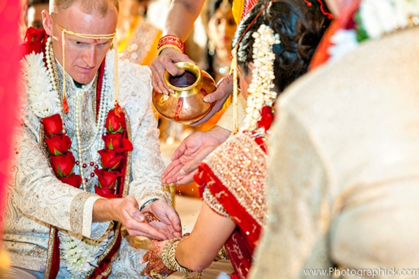 Indian-wedding-ceremony-tradtional-rituals-fusion-couple