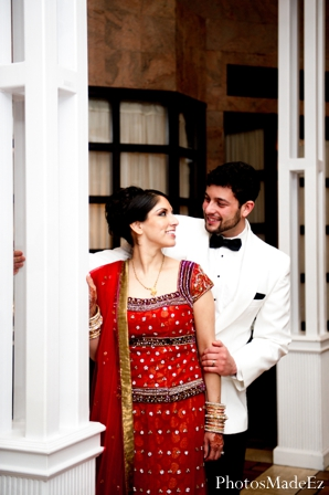 Indian wedding,red,white,bridal fashions,indian wedding portraits,bride and groom portraits,couple's portrait,indian reception dress,traditional reception dress
