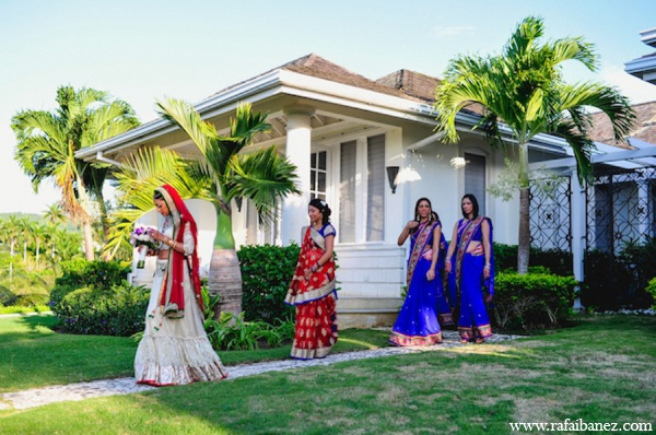 Indian bridal party in Hanover Parish, Jamaica Indian Wedding by Rafa Ibáñez Photography