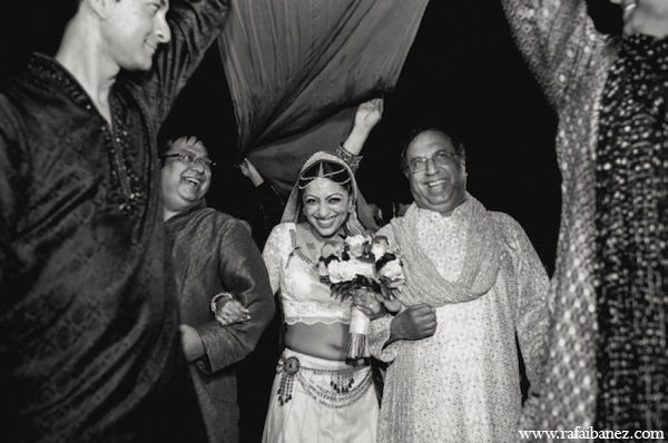 Photography,ceremony,bridal bouquet,traditional indian wedding,indian wedding traditions,Rafa Ibanez Photography