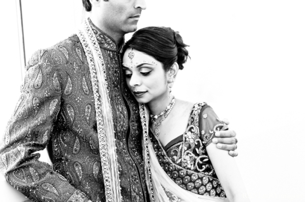 white,black,portraits,indian wedding couple,indian bride and groom,black and white photography,indian wedding portraits,outdoor portraits,couples' portraits,photography inspiration,RANDERYimagery,black and white