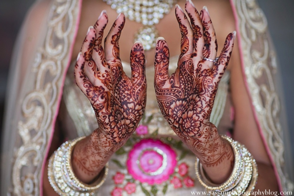 indian-wedding-getting-ready-bride-mehndi-detail