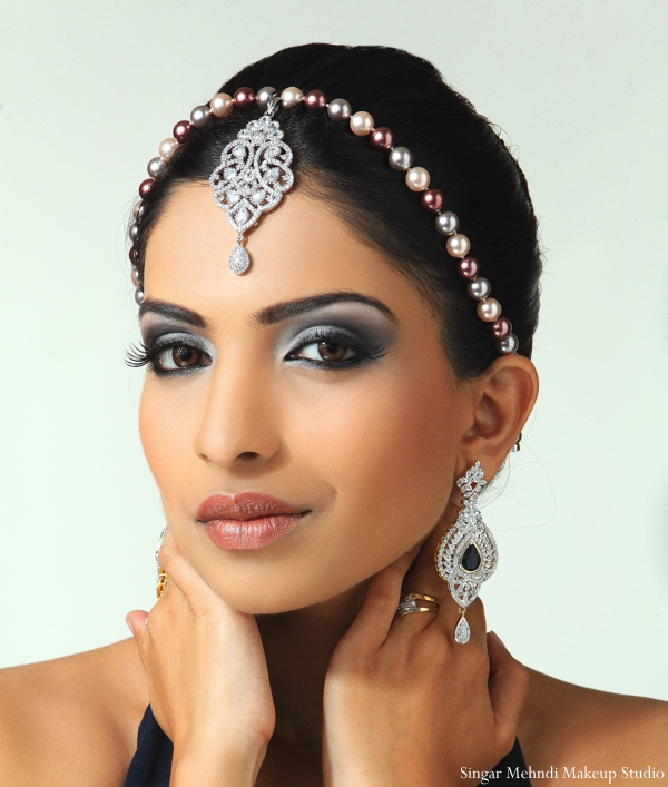 Indian wedding tikka jewelry diamonds
