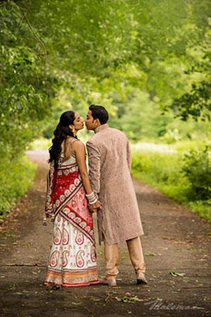 Indianweddingbrideandgroomoutsideportraitslenghaandsherwani