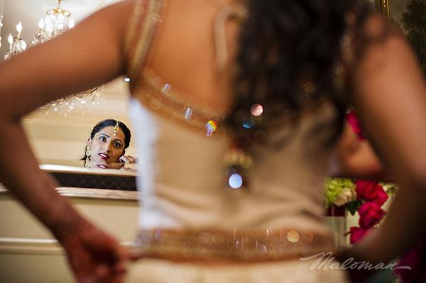 Indianweddingbridejeweledlengah