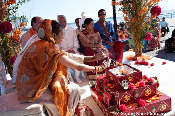 Indian-wedding-ceremony-performing-tradtional-customs