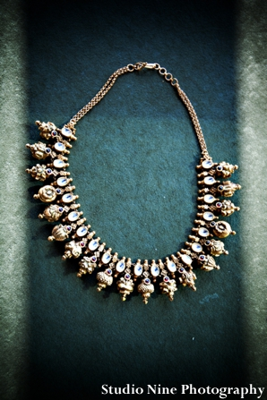 Indian-wedding-gold-necklace-ceremony