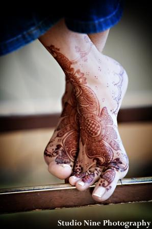 Indian-wedding-henna-feet-portrait