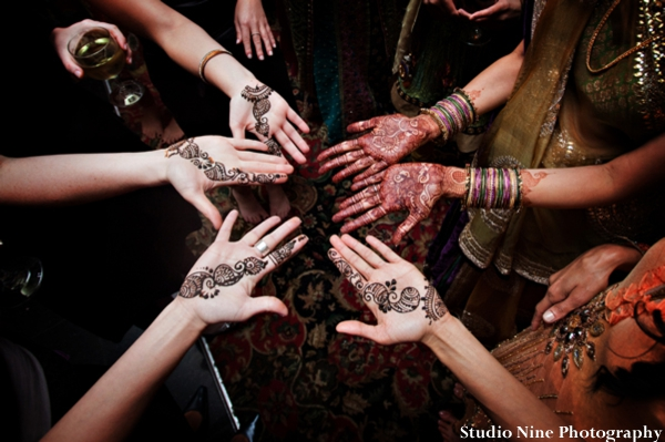 Indian-wedding-photography-ideas-hands-henna