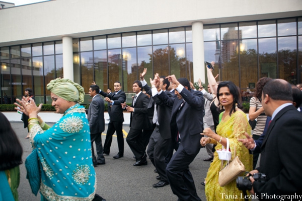 Indian-wedding-ceremony-baraat-family