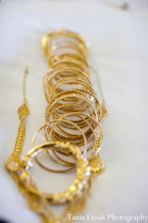 Indian-wedding-getting-ready-gold-bangles