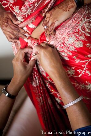 Indian-wedding-getting-ready-lengha-mehndi
