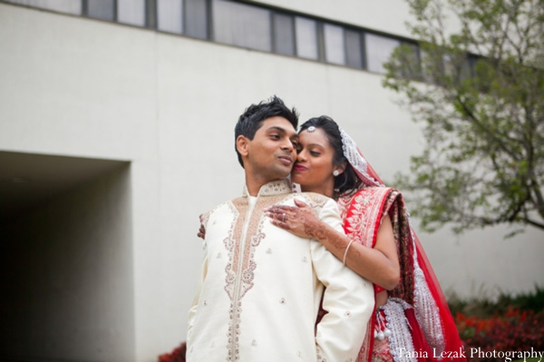 Indian-wedding-portrait-bride-groom-inspiration-traditional