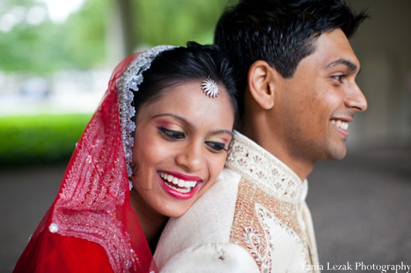 Indian-wedding-portrait-bride-groom-traditional-ideas