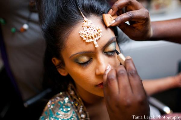 Indian-wedding-reception-getting-ready-bride