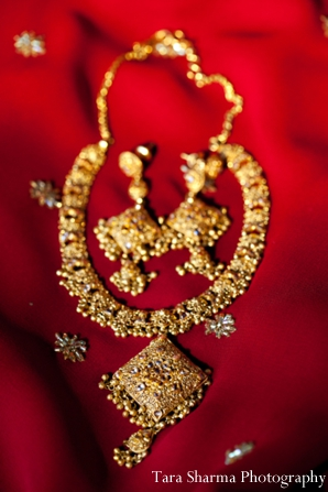 Indian wedding traditional jewelry in Jersey City, New Jersey Indian Wedding by Tara Sharma Photography