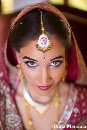 Indian-wedding-bride-tikka-veil