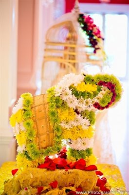 Indian-wedding-garba-decor-ideas-floral-elephant
